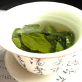 green-tea-leaves-steeping_md